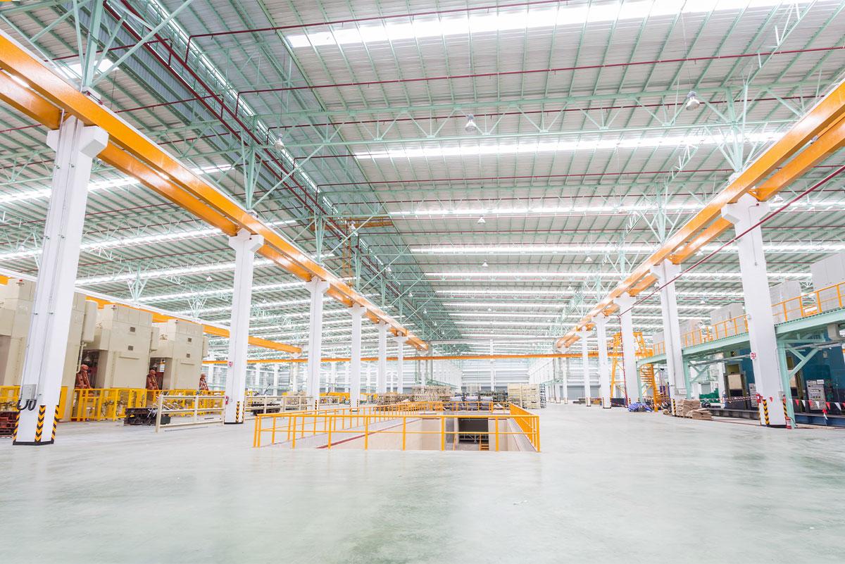 ¿Cuáles son los diferentes tipos de pisos industriales?